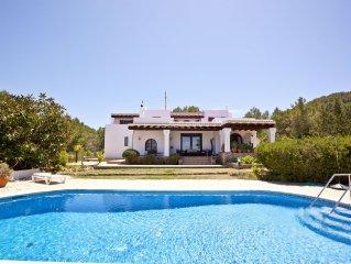 Villa Marlis Ibiza, 400 sqm house with sea views near the best beaches of Ibiza