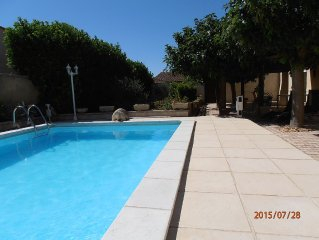 Villa de charme luxueuse tout confort jardin et piscine prives, parc a tortues
