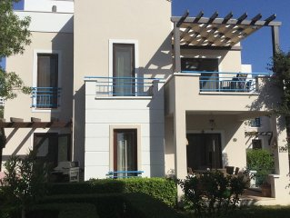 Beautiful Villa Set amongst Mandarin Groves With Roof Terrace To Enjoy  Views.