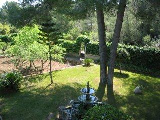 4-bed villa (sleeps 8), rural setting, near Valencia, pool, gardens...
