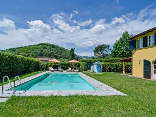 Confortable Villa / Private Swimming Pool / PrivateGarden / Jacuzzi