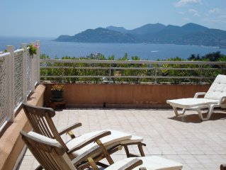 Fantastic Apartment in Cannes with gorgeous sea view, 50 m2 terrasse and pool