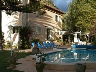 Beautiful Accommodation with Private Pool and Grounds - holds a Tourist License.