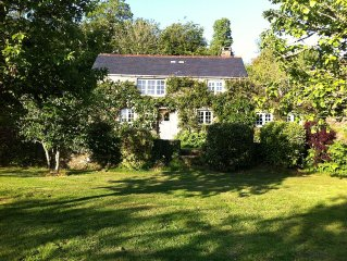 Picture-postcard cottage in dream setting of orchards,own grounds,ample parking