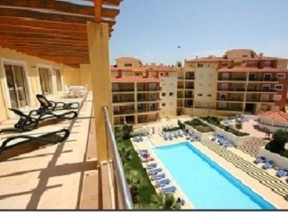 Spacious Well Appointed Penthouse Apartment Near To Marina And Town Centre