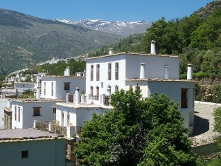 Mountainous region near the coast. Apartment With Shared Pool In Bubion