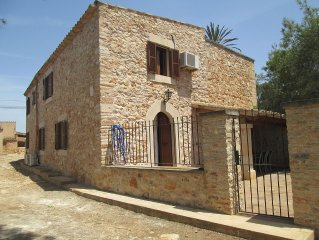 House with garden and swimming pool/Ideal for families - Es Llombards
