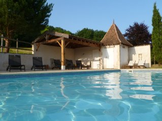 Magnificent  Maison de Maître & Cottage Sleeping 14 with Pool & Games Room