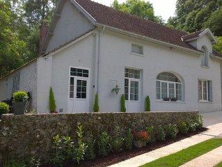 Maison Madeleine, maison de plein pied avec terrasse sur parc arbore de 9000 m2