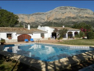 Rustic Villa with Montgo backdrop and private pool in secluded garden