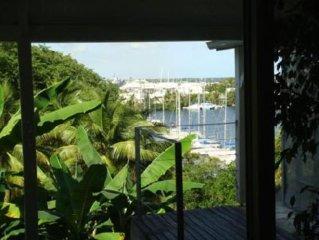 Gosier: Appartement avec 2 terrasses dans villa de standing, vue mer, jardin tro