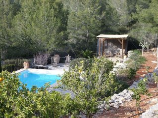 Spacious Luxury Villa with Private Pool and Gardens Lliber in the Jalon Valley