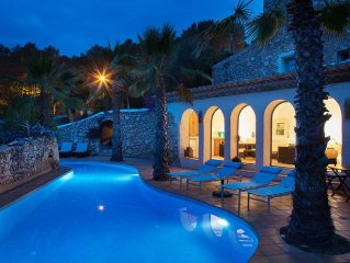 4 bedroom Tuscan Style villa near Sitges and Barcelona
