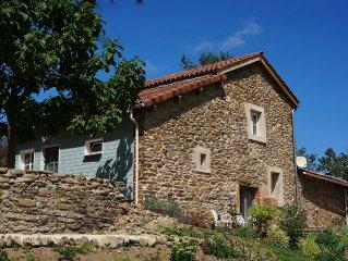 Le Poulailler is een luxe en comfortabel, zonnig gelegen vakantiehuis