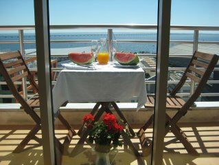 Haven in Lisbon. Comfort, Luxury and Charm. Balcony with stunning river views