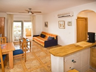New luxury 2 bed, 2 bath apartment within Lodosol