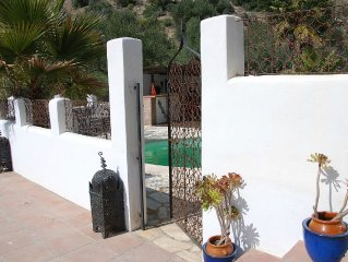 Country Villa with Pool, spectacular views of the Mountains, nr Ronda and Zahara
