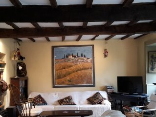 17th Century Cottage in a scenic village, Three bedrooms with modern facilities