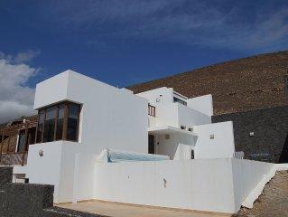 Large Modern spacious villa