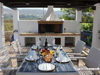 Luxury villa, sleeps 6, few minutes walk to quiet and beautiful beaches.