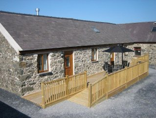Barn Conversion With Level Access, Stunning Views, 10 Minutes From Beaches