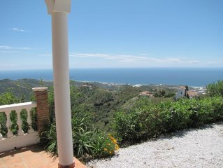 Luxury villa with exclusive panoramic views of the Mediterranean and mountains