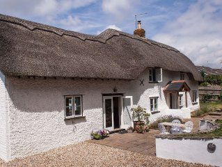 Four Oaks. PrettyThatched Cottage with Summer hou