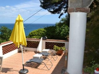 Between Monaco and St Jean Cap Ferrat, Eze edge of sea, 200 m from the beach ap