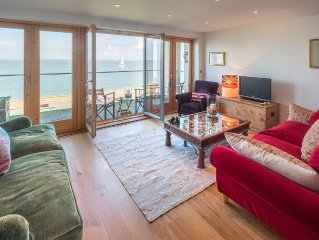 Stunning house on the seashore in Cowes