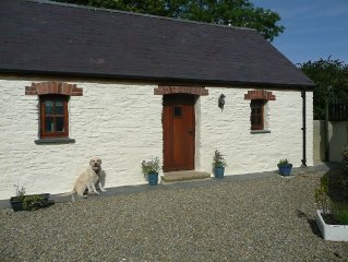 Traditional Farm Cottage In Beautiful Pembrokeshire,Wales. Sleeps 2. Dog Friendl