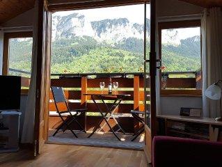 Penthouse Apart, 2 bed-2 bath-3 balcony - Wi-Fi - Great Lake View Walking/Skiing