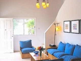 Lounge with sea views!