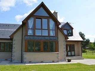 Outstanding accommodation with unique views to the river Spey.