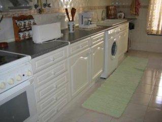 Apartamento T2 Zona Habitacional (5 adultos+1 bebé ou 4 adultos+2 crianças+1Bebe
