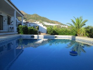 A Secluded Villa with spectacular views & private pool,the perfect holiday.