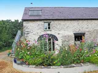 Cartws Bach, Little Carthouse - Stylish And Cosy Eco Cottage
