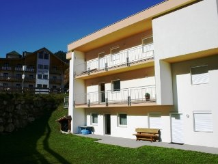 Spacious and modern 2 bed apartment close to ski lift and town centre