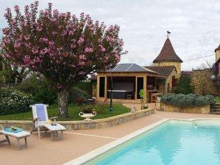Maison de charme classée 4 *-Jacuzzi-piscine chauffée Proche de Sarlat
