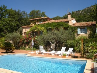 Villa with pool and marvellous view to sea, valleys and surrounding mountains