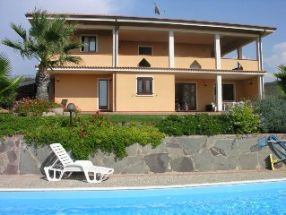 Large Countryside 4 Bedroom Villa with Swimming Pool