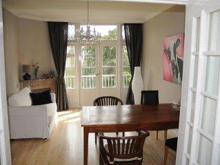 Prettig en ruim appartment - Free Fast Wifi & Goede 'thuis werk' plaats