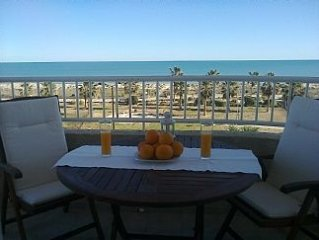 Stunning Sea View/Sea And Beach Front /2 Swimming Pools And Park Nearby In A Pea