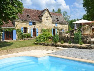Farmhouse With Lovely Secluded Garden, Heated Pool And Magnificent Rural Views