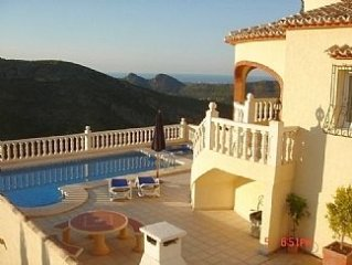 Luxury Villa with Private Pool, Jacuzzi, Sea Views, WiFi and satellite TV.