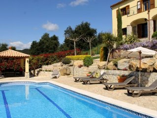Hillside villa, magnificent views, heated private pool, short walk to village