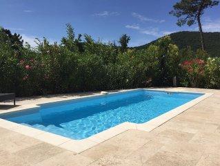 3 Bedroom Provençal House, 15 mins from St Tropez, Private pool, Sleeps 6