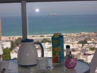 Bel appartement neuf 145 m2, meublé dans Immeuble de standing   à la plage