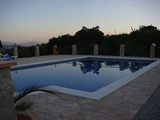 Beautiful Self-Contained Detached Casita w/Lg Private Pool & Mountain Views