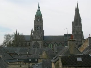 Flat in Bayeux historic center with view of Cathedral