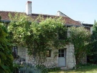 18th Century Cottage in heart of Loire Valley, aluguéis de temporada em Assay